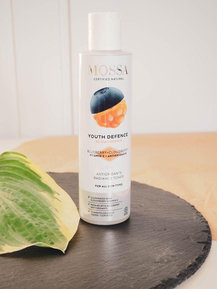 Recenze pleťového tonika Mossa s moruškou a borůvkou, které umí pokožku rozzářit.
