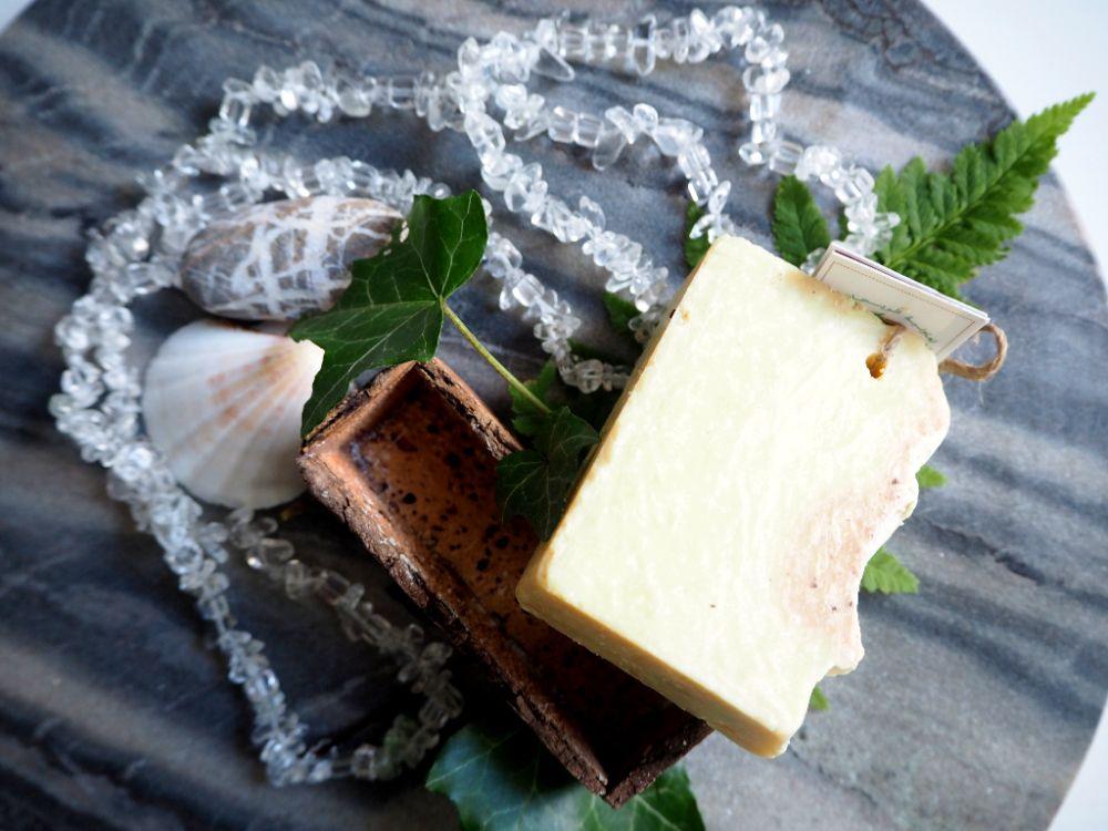 Recenze skořicového mýdla Alassala, Moroccan Sense, citlivá pokožka, tuhé mýdlo, olejové mýdlo, zima, winter, hygge, fair trade, přírodní kosmetika, Maroko