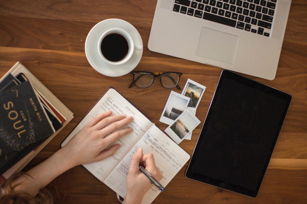 Psaní, intuitive diary, psavec, copywriting, love, láska k psaní, blogování, blogging, bloggerka