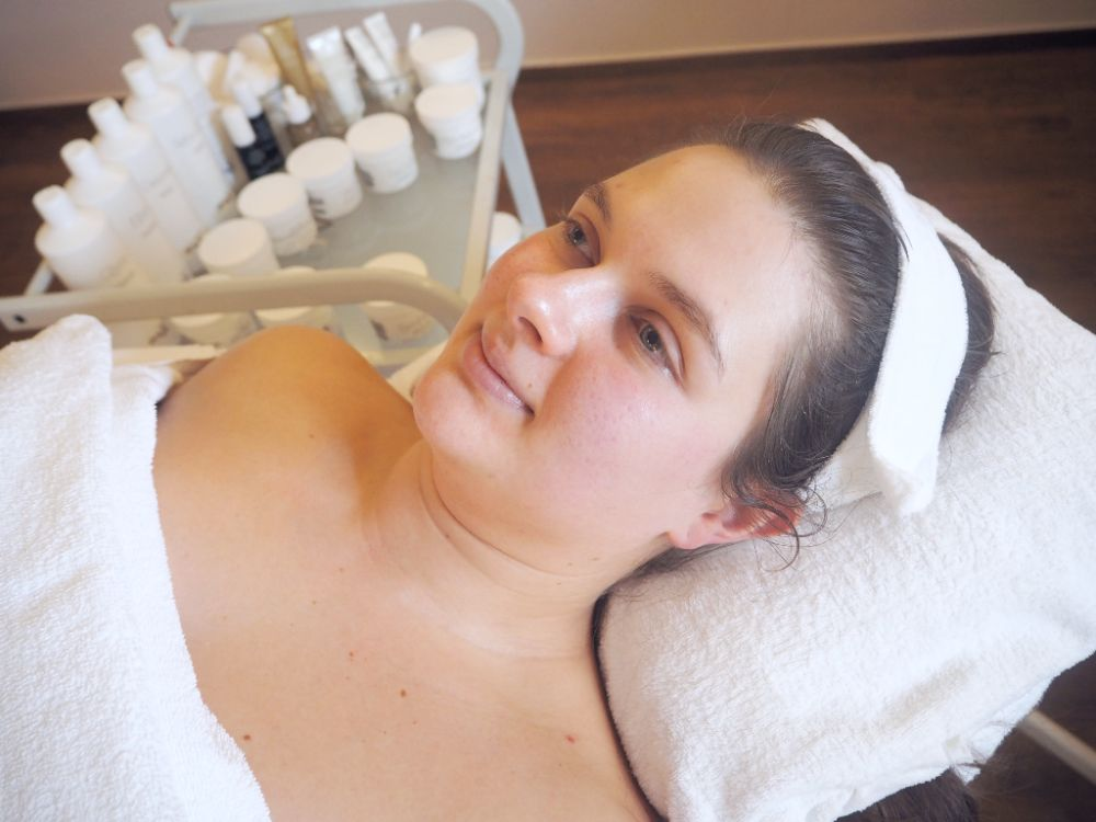Reportáž ze zimního ošetření citlivé pleti kosmetikou GERnétic ve kosmetickém Studiu GERnétic v pražských Řepích. Výsledek.