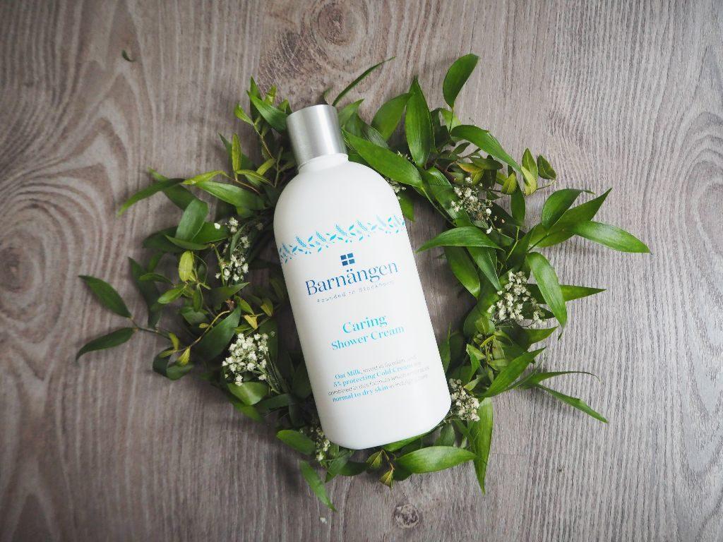 Velká recenze Barnängen - tělový balzám, pečující sprchový krém, sprchový gel i tělové mléko.