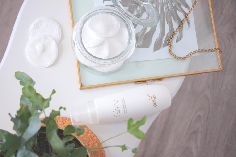 Odličovací a čistící mléko Glyco kosmetiky GERnétic se na blogu dočkalo velké a podrobné recenze.