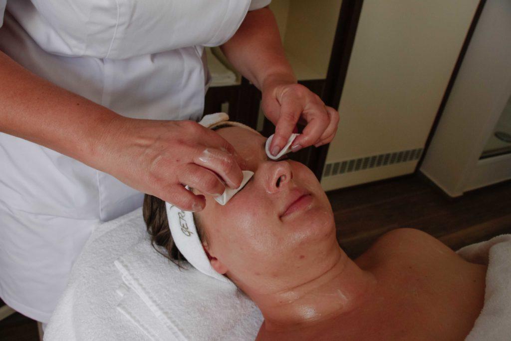 Recenze ošetření očního okolí s řadou Marine Line kosmetikou GERnétic.
