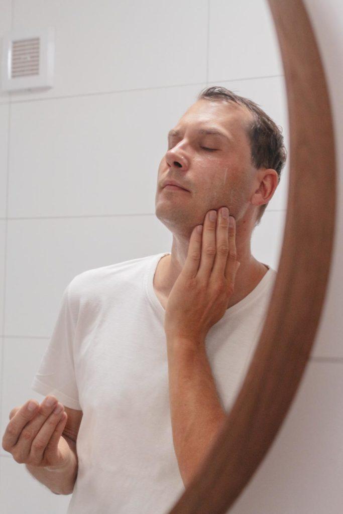 Recenze kosmetiky Natura Siberica pro muže: Probouzející oplachovací gel na obličej – Medvědí uchopení a Ledový gel po holení – Jak a Yeti