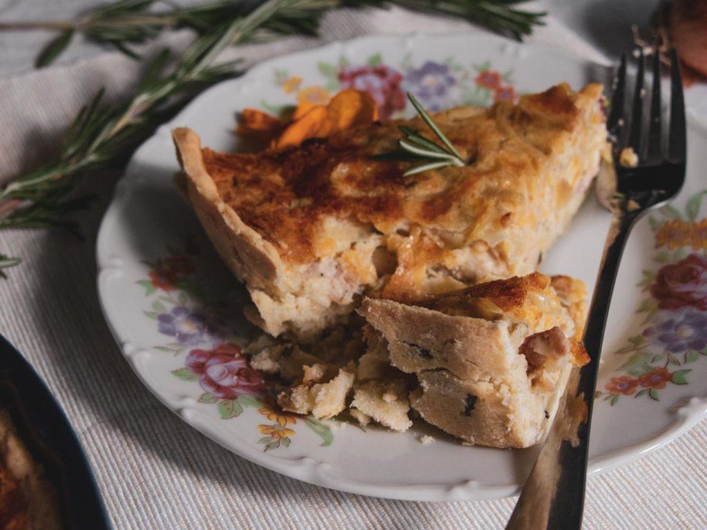 Recept na podzimní cibulový quiche bez lepku.