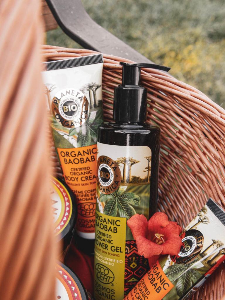 Recenze tělové kosmetiky Planeta Organica Baobab - šampón, tělový krém, krém na ruce a sprchový gel.
