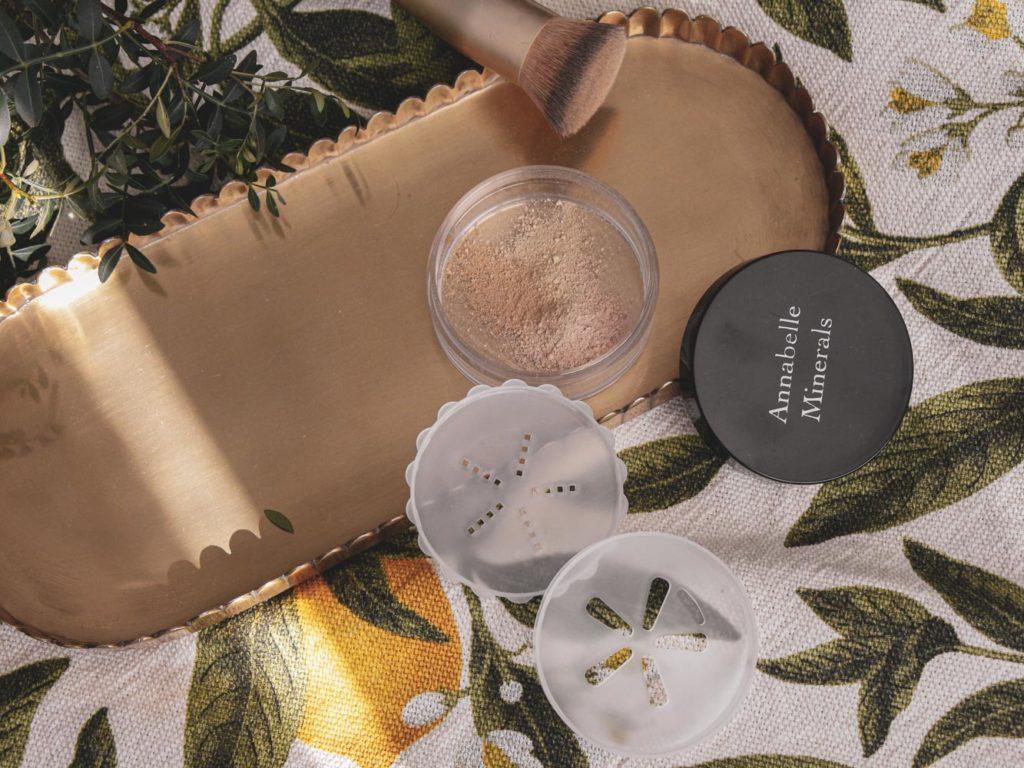 Recenze minerálních make-upů Annabelle Minerals.